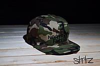 Камуфляжный снепбек,рэперская кепка снепбек The North Face Snapback Cap