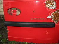 Накладка (молдинг) задніх дверей права сторона Opel Combo