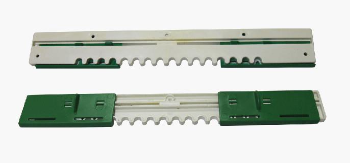 Летковый заградитель пластмассовый нижний, 310 мм