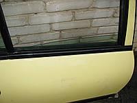Ущільнювач скла задньої правої двері Nissan Almera N16 Хетчбек 2002-06