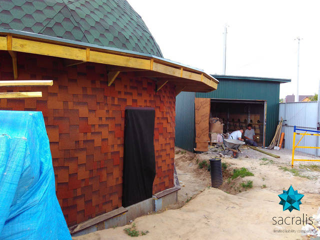 По просьбе заказчика построен гараж для авто. Состояние на 24 мая 2017