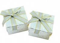 Блестящая серебряная подарочная коробочка для украшений