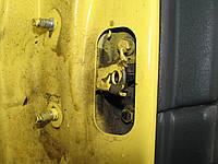 Обмежувач задньої правої двері Nissan Almera N16 Хетчбек 2002-06