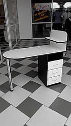 Манікюрний стіл з ящиками і поличками