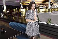 Короткое рубашечное платье с гипюром