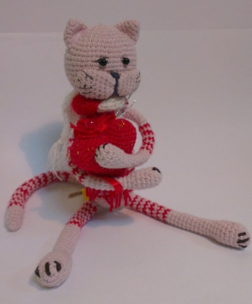 детская игрушка кот вязаный крючком с сердцем в лапках цена 178 грн