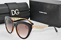 Солнцезащитные очки  Dolce & Gabbana коричневые