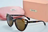 Солнцезащитные очки Миу Миу коричневые со стразами