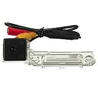 Камера заднего вида Passat. Штатная камера заднего вида Passat