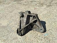 Кронштейн коробки передач Шкода Октавія Тур 1J0 199 117 P, фото 1