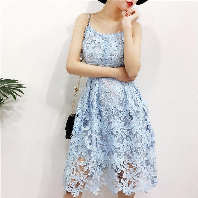 7c1b4d8983f8ef5 Нарядное, женское, летнее платье-миди на бретелях из мякгого кружева.  Фабричный Китай
