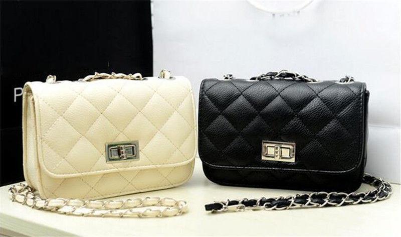 8e67c8a837ca Женская сумка клатч Chanel Boy , цена 440 грн., купить в Киеве ...