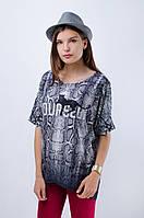 Женская футболка с змеиным принтом
