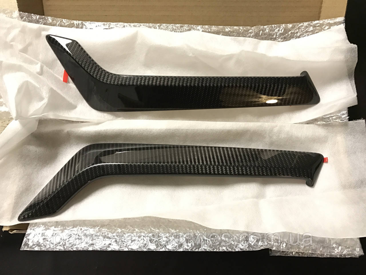 Inifiniti Q60 купе 2017 Carbon карбонові накладки на передні крила Нові Оригінальні
