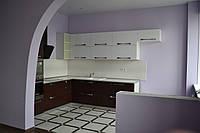 Угловая кухня - Фасад стекло и венге, фото 1