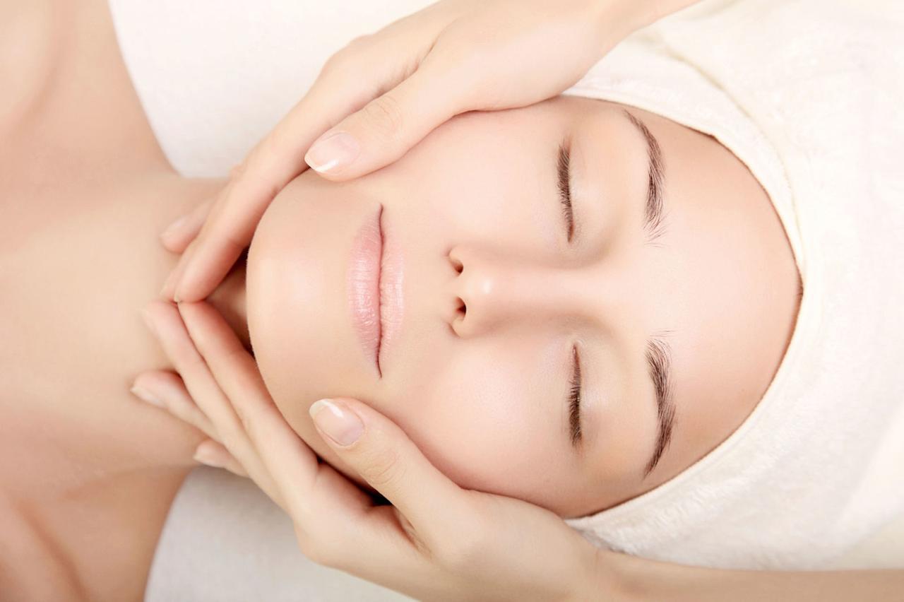 Классический массаж: лицо, шея, декольте (40 мин.)