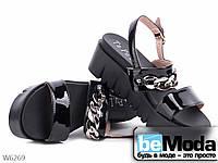 Женские босоножки на платформе лакированные черные