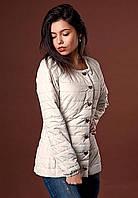 Молочная куртка с полу приталенного силуэта