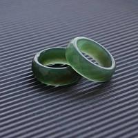"""Широкое кольцо из Зеленого Агата в огранке """"Хрустальные мечты"""""""