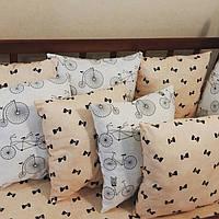 Премиум бортики-подушки в кроватку малыша. Комплект 12 гипоаллергенных подушек и простынка на резинке, фото 1