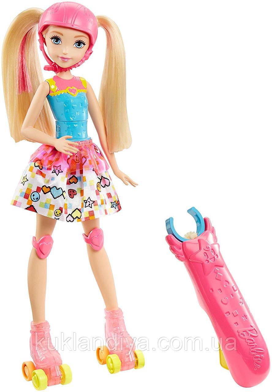 Кукла Барби на роликах видеогеймер