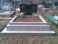 Памятник из гранита и мраморной крошки для двоих