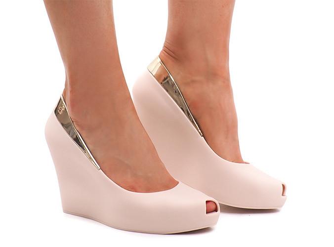 Женские туфли Revis