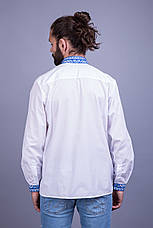 Вышитая мужская сорочка с синим орнаментом, фото 3