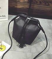 Классическая сумка на плечо с рюшами