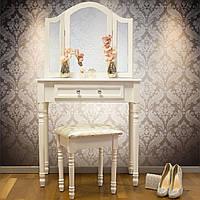 Белый косметический столик со стулом