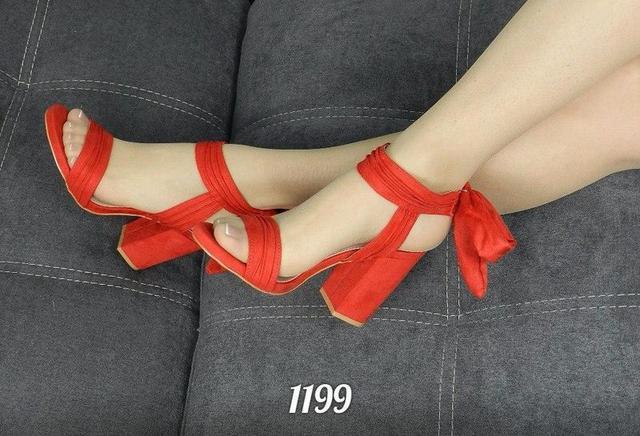 Женские босоножки и сандалии