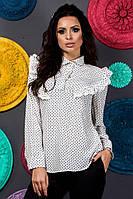 Белая женская блуза в горошек