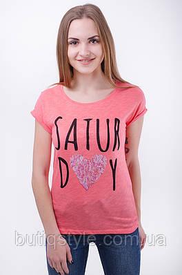 Женская футболка с надписью и паетками
