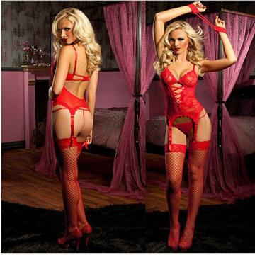 Красный эротический сексуальный комплект из корсета, стрингов, чулков и наручников