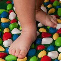 Преимущества использования массажного коврика для ребенка