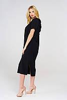 Черное платье прямого кроя с открытой спиной