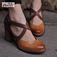Кожаные туфли на высоком каблуке от Artmu комбинированый коричневый цвет