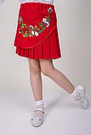 Вышитая детская юбка красного цвета