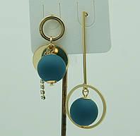 Голубые висячие серьги пусеты. Модные летние серьги с шариками 3057