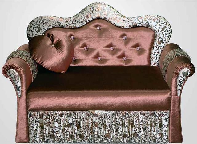Длина: 137 см. Глубина: 75 см. Высота: 94 см. Спальное место: 171х109 см. Механизм трансформации: выдвижной вперед. Допустимые отклонения в размере мебели +/-2 см.