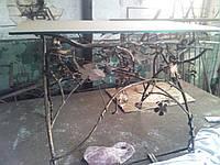 Кованый кухонный столик со стеклом