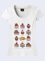 """Женская белая футболка с рисунком """"Аппетитные сладости"""" из мягкого хлопка. Короткий рукав."""