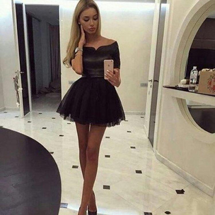 380199030688905 Милое короткое платье с пышной юбкой и фигурным вырезом горловины, цена 785  грн., купить в Харькове — Prom.ua (ID#543609073)
