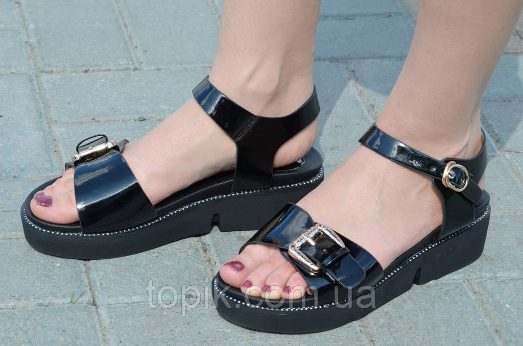 Босоножки, сандали на платформе женские черный глянец искусственная кожа 2017. (Код: 713)