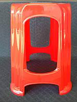 Табурет пластиковый, красный