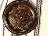 Тарілка декоративна дерев'яна різьбленна інкрустована бісером та міддю