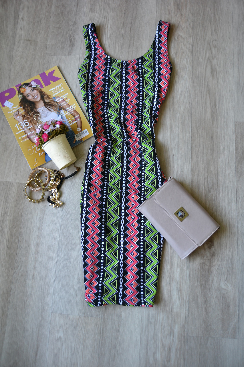 Облегающее короткое платье в принт H&M