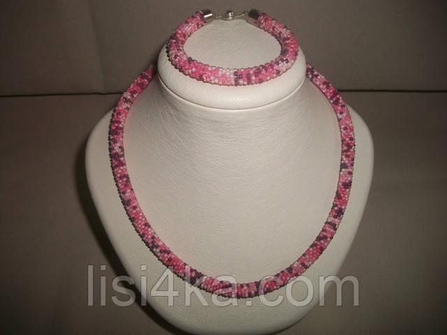 Вязаный комплект жгутов из микса бисера в розовых тонах