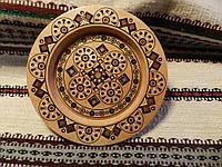 Тарілка декоративна дерев'яна інкрустована бісером та різними породами дерев