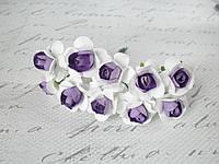 Декоративные бумажные цветочки, розы 2,5 см 10 шт на ножке бело-фиолетовые, фото 1
